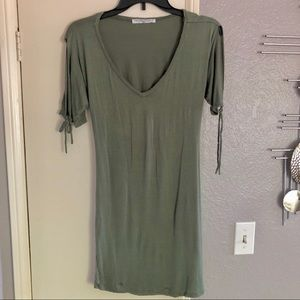 Project Social T -sexy cutout back Small